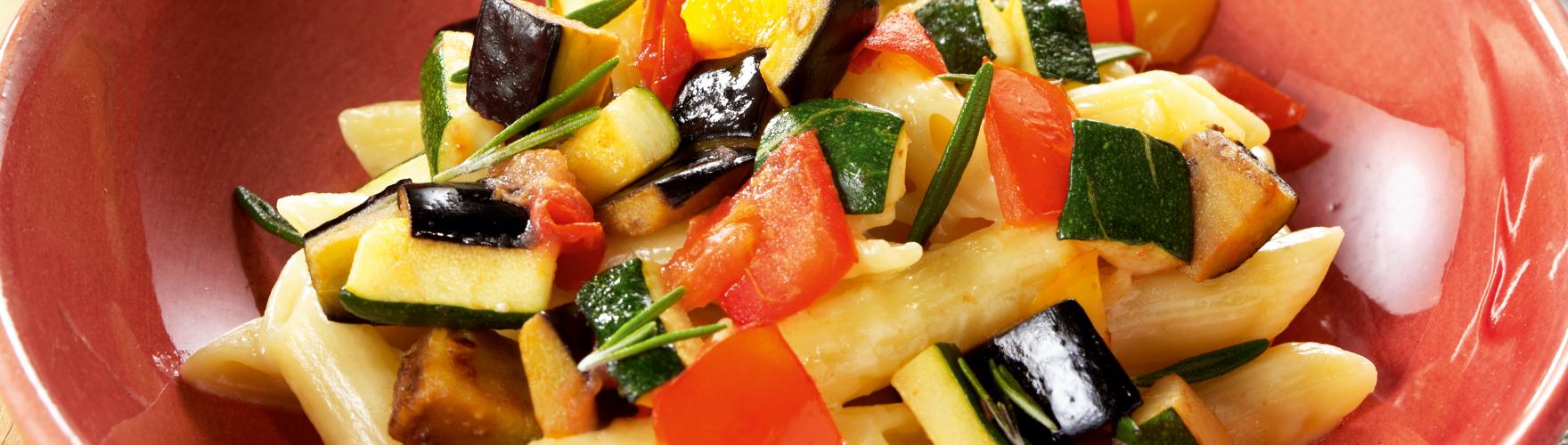 Těstoviny penne s restovanou zeleninou