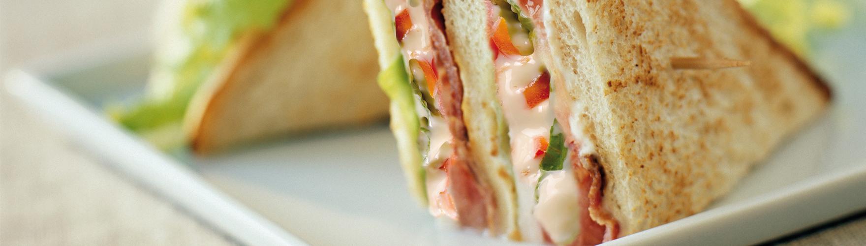 Un clásico sándwich club