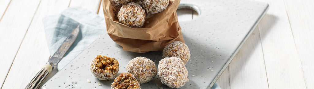 Energy balls with coconut grate