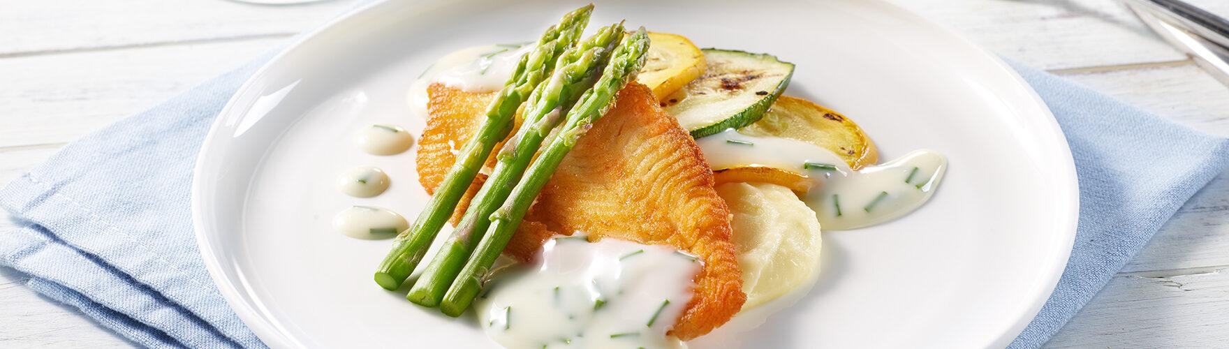 Fried plaice with green asparagus