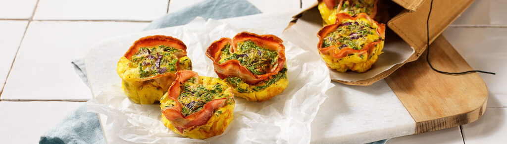 Savory muffins with bacon and egg