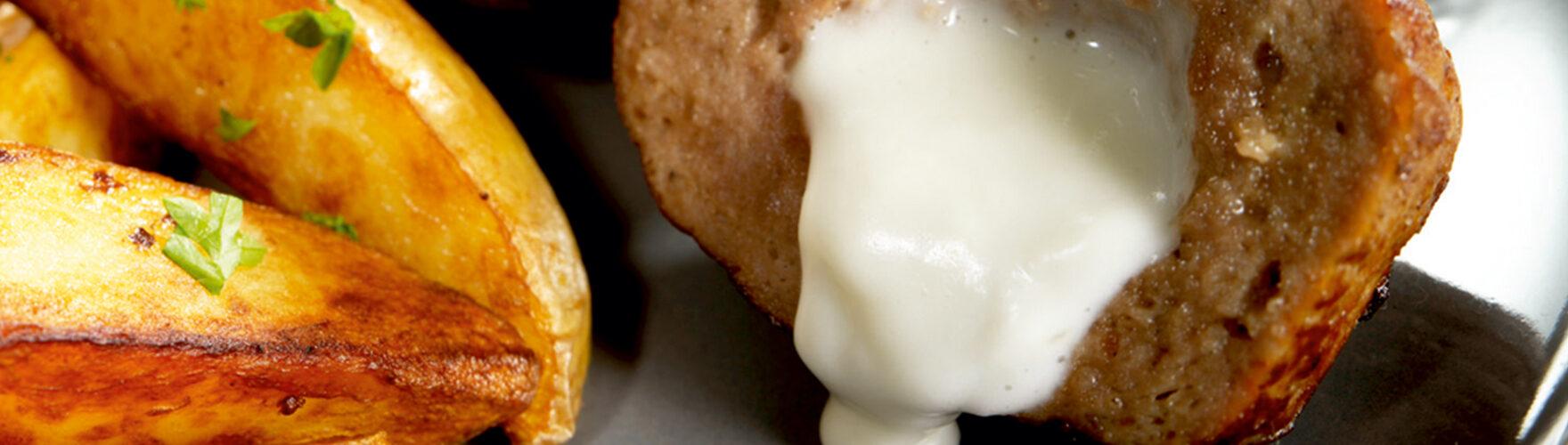 Almôndegas recheadas com queijo azul e compota de figo