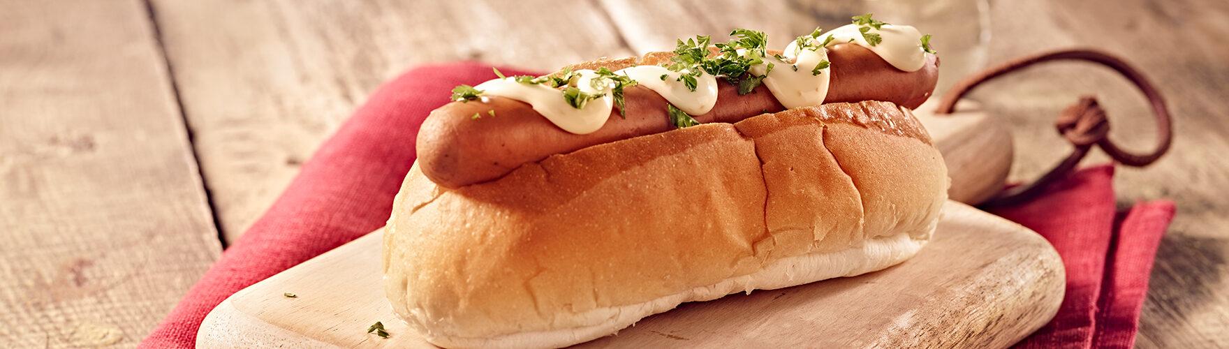 Cachorro-quente com queijo fumado