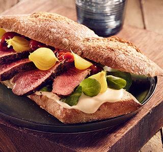 ERU Spreadable Gouda Extra Aged Steak Sandwich