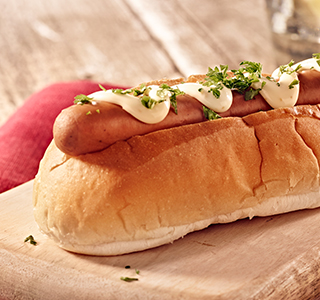 Broodje hotdog met smoked cheese