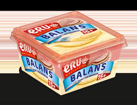 Pastasalade met hamblokjes, rode ui en bleekselderij