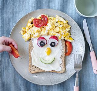Kleurrijke boterham met ERU Kids